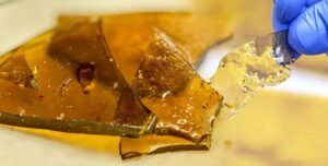 Decarboxylation shatter